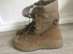 ARMY COMBAT BOOTS  COYOTE BROWN 7R SIZE - VIBRAM  SOLE- NEW