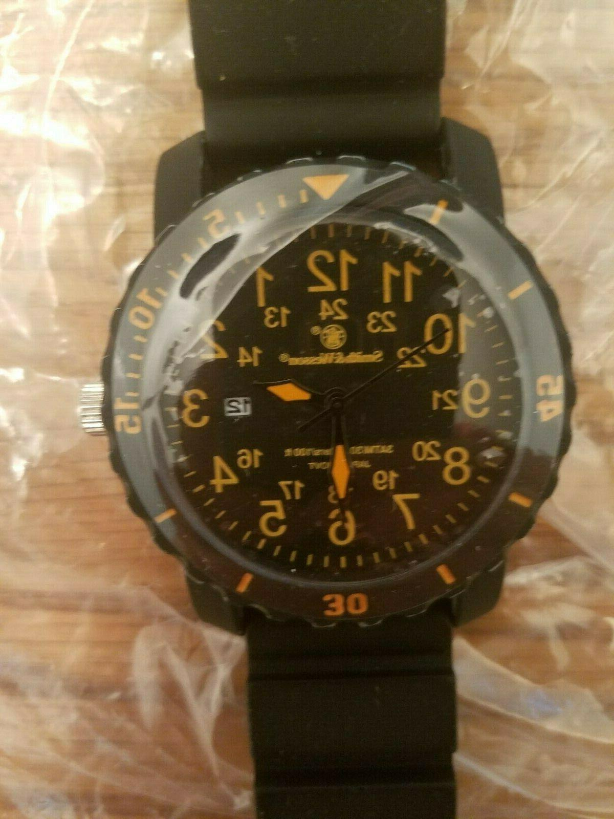 Smith & Wesson sww8770 Calibrator Watch Orange